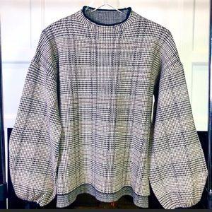 NWOT Houndstooth balloon sleeve sweater